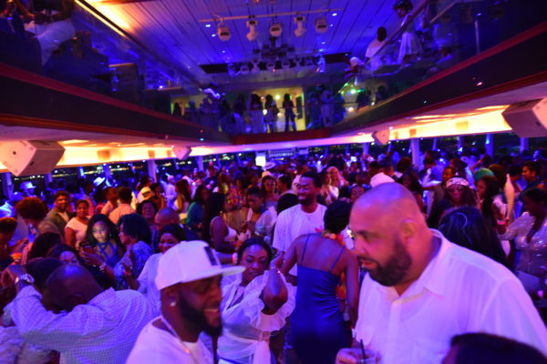 Errol fr. Mingles @IrieDale Al Bundy presents BLUE & WHITE Yacht Party – Jun 23